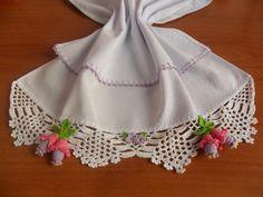 Pano de prato em tecido 100% algodão com barrado em crochê.