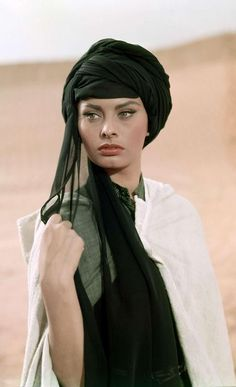 Sophia Loren- workin the turban. I wanna try this
