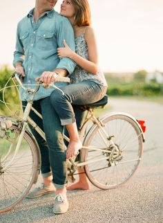 bicycle prop for engagement photoshoot