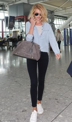 Rosie Huntington-Whiteley nails off-duty chic in double denim look Cool: Rosie Huntington managed to turn heads when she stepped out in a casual ensemble on Friday Casual Outfits, Cute Outfits, Fashion Outfits, Womens Fashion, Fashion Trends, Rosie Huntington Whiteley, Rose Huntington, Denim Street Style, Double Denim Looks
