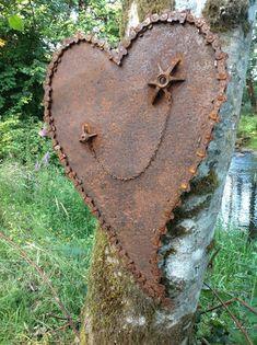 Kathi's Garden Art Rust-n-Stuff: Rusty Heart Art Metal Yard Art, Metal Tree Wall Art, Scrap Metal Art, Sculpture Metal, Abstract Sculpture, Leaf Wall Art, Welding Art, Arc Welding, Junk Art