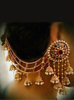 Designer Indian and Pakistani clothing and jewellery for women online. Indian Jewelry Earrings, Art Deco Earrings, Ear Jewelry, Bridal Earrings, Fashion Earrings, Bridal Jewelry, Fashion Jewelry, Tikka Jewelry, Pendant Jewelry