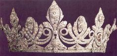 Spike Tiara, Spain (1906; made by Chaumet; diamonds). Originally set with turquoise stones, the tiara was a wedding present from King Alfonso XIII to Queen Victoria Eugenia. Later sold.
