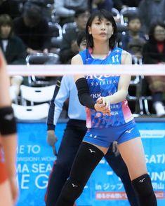 Jun HayasakaさんはInstagramを利用しています:「ちょっとだけしかみられませんでした。 #白岩蘭奈 さん、#kurobeアクアフェアリーズ #岩手大会 #rannashiraiwa 2019/03/09」 Women Volleyball, Volleyball Players, Beach Volleyball, Athletic Women, Female Athletes, Sport Girl, Sports Women, Sexy, Aqua
