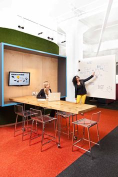 The design of the work area is consistent with what was in place upstairs; there are no private offices, and everyone sits at an open plan desk, including the company's leadership team. | LivePerson's Collaborative and Flexible NYC Office Expansion by Mapos