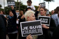 """Auch in Floridas größter Stadt Miami zeigten viele Menschen ihre Trauer um die Opfer von """"Charlie Hebdo""""."""