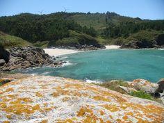Playa y Cala de Niñóns en la Costa da Morte, A Coruña.