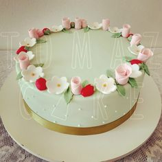 Bolo decorado, feminino de flores. #bolodeflores #bolodecorado #cakedesign #tomazcake #aniversario #festa