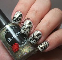 The Clockwise Nail Polish: Penélope Luz Butterfly
