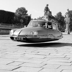 Citroën DS, is like driving on air...