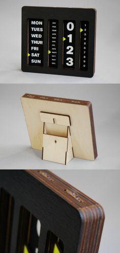 "Classic wooden ""anti-auto"" calendar, made of birch, designed by Caste Studio"