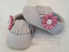 Baby Suede Leather Moccasins - Ice with Dusty Rose Flower