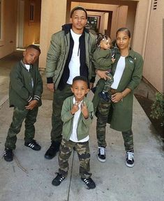 A family that slays together. Slays together 💕 SWIPE➡️ Cute Family, Baby Family, Family Goals, Beautiful Family, Family Picture Outfits, Couple Outfits, Matching Family Outfits, Family Photos, Vetement Fashion