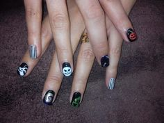 Halloween Nails inspired by The Nightmare Before Christmas by Emma Brock @emmapbrock
