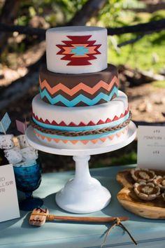 Native American Wedding Cakes - Wedding and Bridal Inspiration Pretty Cakes, Cute Cakes, Beautiful Cakes, Amazing Cakes, Native American Cake, Native American Wedding, American Meme, American Party, Bolo Cake