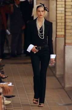 chanel runway 2001 | Chanel / Chanel Fall 2001 Runway Pictures - StyleBistro