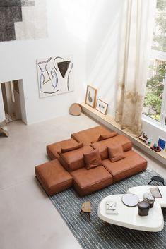 Batiik Studio is a Paris-based interior design firm founded by Rebecca Benichou in Parisian Apartment, Paris Apartments, Studio Furniture, Furniture Decor, Amelie, Atelier Architecture, Level Homes, Architect Design, Elle Decor