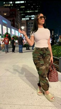 Swag Outfits For Girls, Cute Swag Outfits, Teenager Outfits, Dope Outfits, Pretty Outfits, Girl Outfits, Fashion Outfits, Fashion Trends, Baddie Outfits Casual