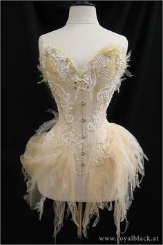 Commission designed and created by Royal Black Couture Corsetry. This corset took more than 150 hours to finish. A true work of art. Look Retro, Sexy Corset, White Corset, Lace Corset, Lingerie, Mode Inspiration, Costume Design, Festivals, Vintage Outfits