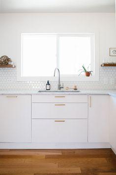 Modern Kitchen Interior Remodeling How to Approach a Kitchen Remodel - Hither Modern Kitchen Backsplash, Modern Kitchen Cabinets, New Kitchen, Kitchen Interior, Kitchen Modern, Backsplash Ideas, Hexagon Tiles, Kitchen Sink, Kitchen Decor