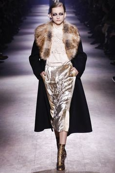 Dries Van Noten Fall 2016 Ready-to-Wear Fashion Show Collection: See the complete Dries Van Noten Fall 2016 Ready-to-Wear collection. Look 51 Paris Fashion Week 2016, Fall Fashion 2016, Fashion 2017, Autumn Winter Fashion, High Fashion, Fashion Show, Fashion Looks, Fashion Design, Fall Winter