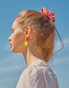 BPB 18 Resort Collection  #bpb #비피비 #lookbook #룩북 #summer #korea #seoul #desinger #kfashion #fashion  #brand #ootd #fff #bpbworld #girls #bpbgirls #art #디자이너브랜드 #패션 #디자인 #아트 #한국 #한국패션 #trend #트렌드  #londonfashionweek #parisfashionweek #resortcollection #hotsummer #비피비클럽 #bpbclub Fashion Images, Fashion Photo, Film Inspiration, Face Expressions, Female Portrait, Light And Shadow, Model Photos, Woman Face, Colorful Fashion