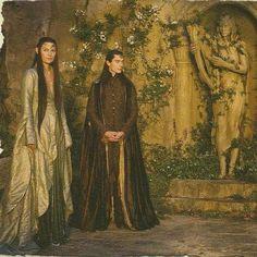Rivendell Elves... look at that pretty Elven dress!
