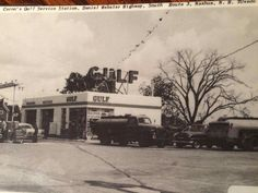 Vintage Auto, Vintage Cars, Auto Shops, Soda Machines, Old Gas Pumps, Nostalgia, Old Gas Stations, Gasoline Engine, Old Barns