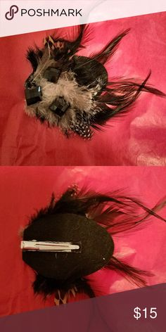 Feather Hair Fascinator EUC - Hair clip with beautiful black/brown feathers and gemstones. Jewelry