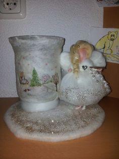 Windlicht mit Elfe gefilzt Ein hauch von Winterwonderland :) Glass Vase, Home Decor, Yule, Great Love, Faeries, Dime Bags, Homemade Home Decor, Decoration Home, Interior Decorating