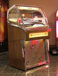 Rocket Juke Box Rare Vinyl Records, Music Boxes, Vintage Box, Lps, Jukebox, Interior Ideas, Game Room, Mid-century Modern, Gadgets