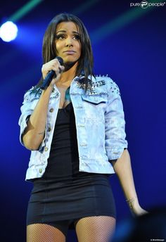 La belle Shy'm lors de son premier concert à Bercy (Paris), le vendredi 4 janvier 2013.