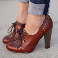 e23bb0c324d Maroon Lace up Oxford Heels Vintage Shoes Chunky Heel Oxford Pumps