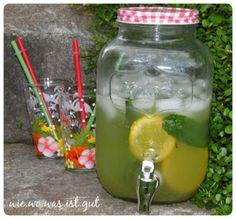Weiter geht´s mit leckeren Limonaden. Diesmal vereint sich die Schärfe des Ingwers mit der Frische von Zitronen und Limetten. Sehr lecker!.