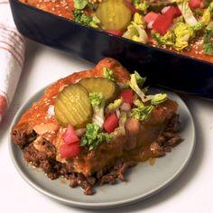 This Cheeseburger Casserole Is A Major Crowd Pleaser Casserole Recipes, Meat Recipes, Chicken Recipes, Dinner Recipes, Cooking Recipes, Healthy Recipes, Dinner Ideas, Dessert, Ground Beef Recipes