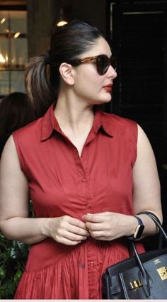 Ya little poof Indian Actress Hot Pics, Indian Bollywood Actress, Beautiful Bollywood Actress, Most Beautiful Indian Actress, Bollywood Actors, Bollywood Celebrities, Bollywood Fashion, Beautiful Actresses, Indian Actresses