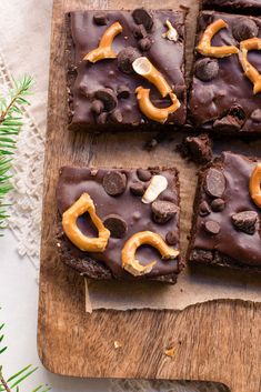 Brownies with double the chocolate, made gluten-free and topped with crunchy pretzels for a decadently healthy dessert or late night snack. There's no doubt that brownies are one of my favori…
