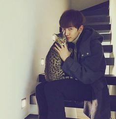 Instagram Junho le2jh  이쁜 코트와 이쁜 쟈니