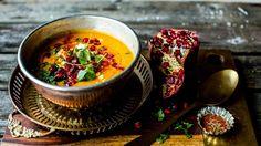no Wine Recipes, Soup Recipes, Spicy Carrots, Vegetarian Eggs, Carrot Soup, Frisk, Ramen, Vegan, Garam Masala
