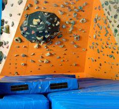 RSTK: Instalaciones: El Muro y La Sala de Boulder Rock Climbing Gym, Outdoor Decor, Home Decor, Entrance Halls, Walls, Decoration Home, Room Decor, Home Interior Design, Home Decoration