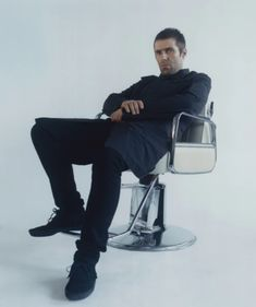 Liam Gallagher interviewed for his debut solo album, As You Were, for Nylon Magazine September 2017 Issue: Liam Gallagher Is Sticking To His Roots Watch a video interview with Liam conducted by my friend and sometimes editor Lyndsey Parker at Yahoo Music. Liam Gallagher 2017, Liam And Noel, Oasis Band, Pictures Of Lily, Britpop, Rockn Roll, Motown, Cool Bands, Wraps