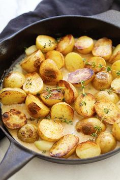 Creamy Garlic Thyme Potatoes - the best and easiest potatoes with garlic thyme in buttery and creamy sauce. A perfect side dish. Potato Side Dishes, Veggie Side Dishes, Vegetable Dishes, Vegetable Recipes, Creamy Mashed Potatoes, Easy Delicious Recipes, Side Dish Recipes, Potato Recipes, Food Inspiration