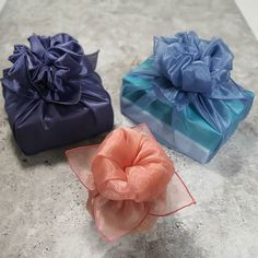"""[랩핑수]_ 부산선물포장ㆍ보자기포장ㆍ리본ㆍ캔들 on Instagram: """"정성을 담은 설(명절) 보자기 포장 . . . [랩핑수 수업안내] . 🍀보자기아트 전문가반 2급/1급 . 🍀선물포장 자격증반 . 🍀리본크래프트 취미반/ 자격증반 . 🍀캔들크래프트 자격증 과정 . . . ✔수업문의! DM or Kakao:…"""" Bow Sneakers, Wraps, Gift Wrapping, Natural, Gifts, Wedding, Gift Wrapping Paper, Valentines Day Weddings, Presents"""