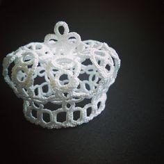107 отметок «Нравится», 2 комментариев — MC...H (@mc___h) в Instagram: «前に作った王冠の編み図描きを途中で放棄していたため仕切り直し。 訂正含めて、もう一度編み直しました。…»