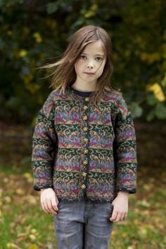 Firebirds. Jade Starmore www.virtualyarns.com Fair Isle Knitting sweaters stranded