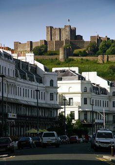 Dover Castle ist mit das Erste, was Lisa Engel aus dem Roman… Dover England, Kent England, England And Scotland, London England, Mr. Darcy, Dover Kent, Dover Castle, Castle On The Hill, English Heritage