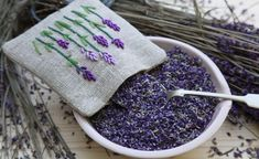 These bags are a magical decoration idea. Whether dried or bought by yourself: Finally, the fragranc Lavender Bags, New Hobbies, Beautiful Words, Upcycle, Birthday Gifts, Embroidery, Sewing, Knitting, How To Make