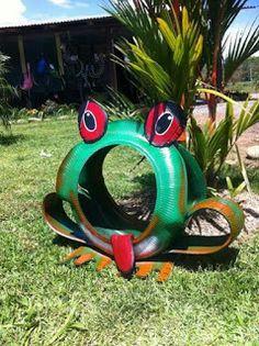 Sapo elaborado con neumáticos para tu jardín