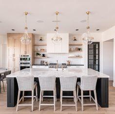 Home Decor Kitchen, Interior Design Kitchen, Home Kitchens, Eat In Kitchen, Coastal Kitchens, Condo Kitchen, Kitchen With Breakfast Nook, White Kitchen Designs, Modern Kitchens With Islands