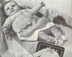 sistema de capa de matinee de bebé  19 - 20 pulgadas el tamaño del pecho  4 capas o lanas que hacen punto de bebé quickerknit  patrón de punto vintage  Descargar Instant PDF